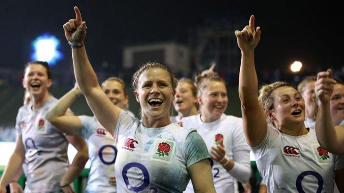 O2 reignites 'Wear the rose' rugby campaign for women's team.